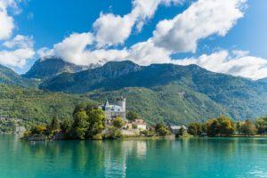 Image du château de duingt sur le Lac d'Annecy
