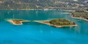 Image des deux îles sur le Lac d'Aiguebelette